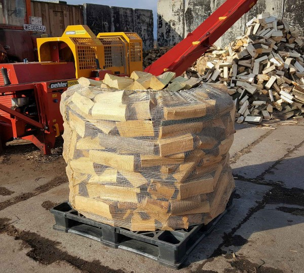 Robinien Brennholz (vglb. mit Tropenholz) trocken & sofort verheizbar – 25 cm Scheite – Big Bag – 1 RM